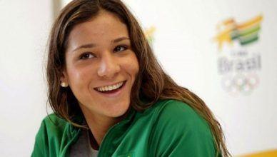 Arena Geral: Torcer é o nosso esporte! Perfil AG: Joanna Maranhão